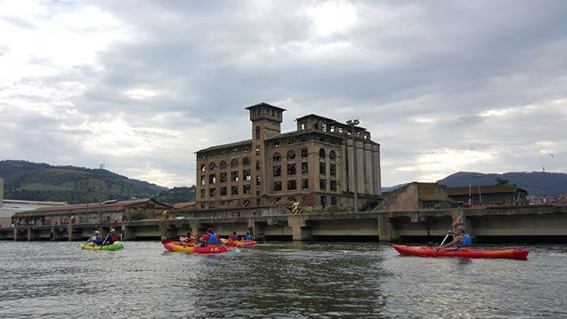 Bilbobentura - Travesía Puente Colgante-Bilbao - Zorrotzaurre-Edificios